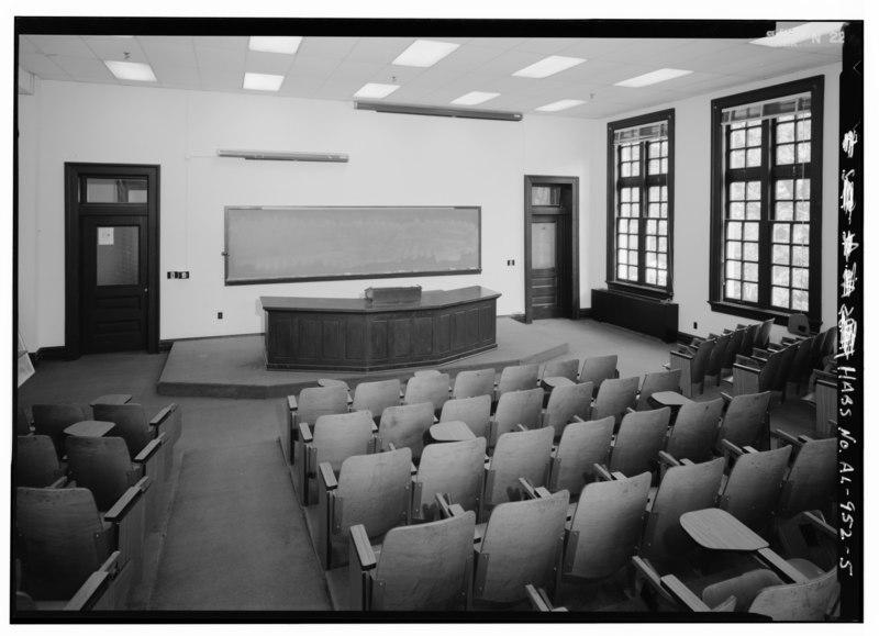 black and white photo of mid 20th century university lecture hall