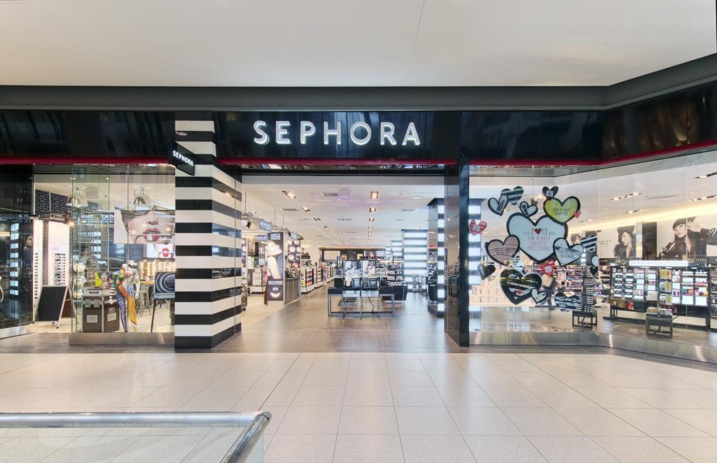 Sephora storefront.